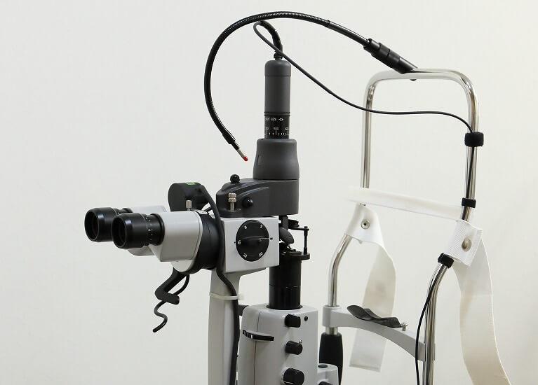 レーザー光凝固術の実施