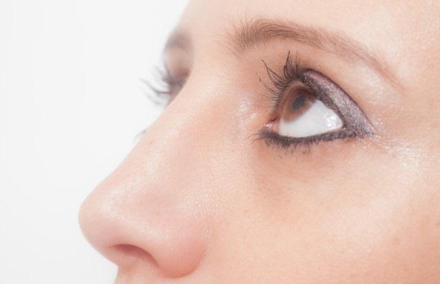 眉毛下垂症とは?